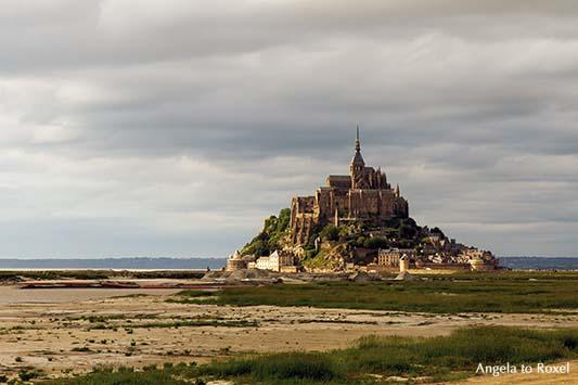 Fotografie: Der Klosterberg Mont-Saint-Michel im Licht der Abendsonne, Normandie | Ihr Kontakt: Angela to Roxel