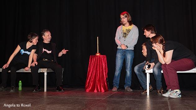 ImproMatch: Skuub vs. Die Rheinflipper, Wettbewerb auf der Bühne - Improvisationstheater im Falkendom in Bielefeld, Aufführung vom 20. März 2015