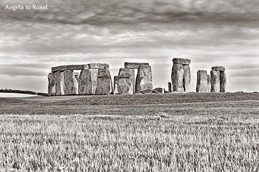Stonehenge, Neolithic ancient standing stone circle monument, UNESCO World Heritage Site, monochrom, Wiltshire, England