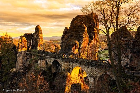 Basteibrücke im Elbsandsteingebirge, Abend, Felsformation im Nationalpark Sächsische Schweiz, Architektur Bilder kaufen - Ihr Kontakt: Angela to Roxel