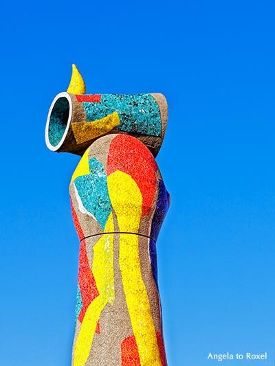 Fotografie: Frau und Vogel, Dona i Ocell, Skulptur von Joan Miró im Parc de Joan Miró - Barcelona, Katalonien August 2016