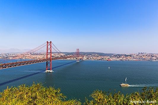 Rote Hängebrücke in Lissabon, Brücke des 25. April, Doppelstockbrücke über den Tejo, Lissabon | Architektur Bilder kaufen - Ihr Kontakt: A. to Roxel
