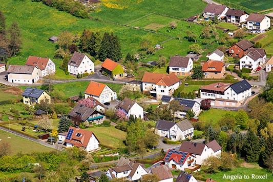Höxter-Bödexen, Dorf im Weserbergland, Frühling, Luftaufnahme, Höxter, Regierungsbezirk Detmold, Nordrhein-Westfalen, April 2014