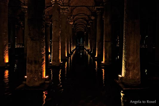 Fotografie: Yerebatan Sarnıcı, Basilica Cistern, spätantike Zisterne, auch versunkener Palast genannt, Sarayburnu - Istanbul Türkei 2014