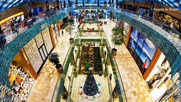 Fotografie: Istanbul Sapphire in der Weihnachtszeit, Sapphire Çarşı, Istanbuls Konsumtempel weihnachtlich geschmückt, Blick von oben | Angela to Roxel 2014