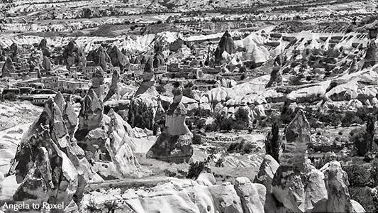 Tuffsteinkegel und Feenkamine, Erdpyramiden in Kappadokien, analog, schwarzweiß, Göreme, Nevsehir, Zentralanatolien - Türkei 1990
