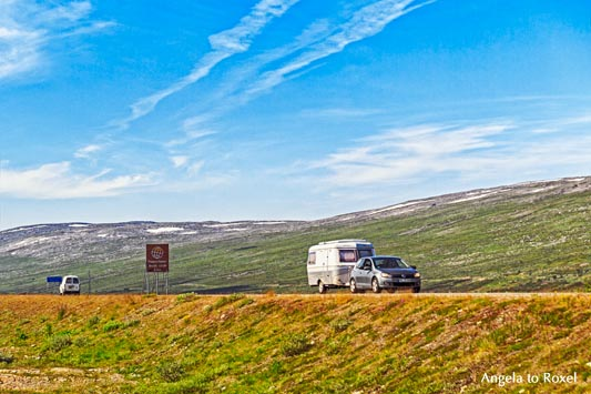 Eriba Touring am Nordpolarkreis, Wohnwagengespann auf der E6, Saltfjellet, Nähe Besucherzentrum, 66° 33' N, Norwegen | Angela to Roxel6° 33' N, Norwegen | Angela to Roxel