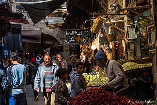Fotografie: Kamelfleisch auf einem Markt in Marokko, Souq in der Medina, Markttreiben in der Altstadt von Fès | Kontakt: Angela to Roxel