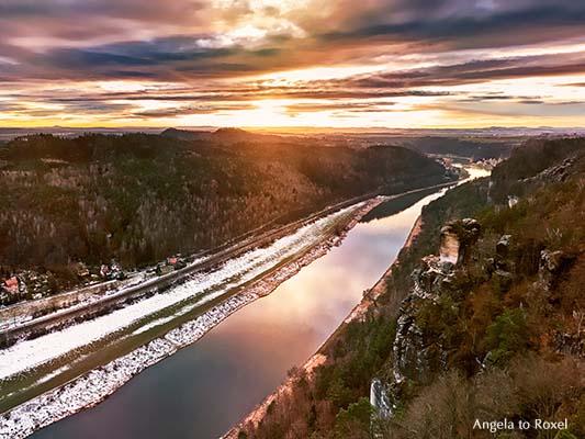 Landschaftsbild: Blick von der Bastei auf die Elbe Richtung Wehlen, Elbsandstein-Gebirge, Nationalpark Sächsische Schweiz | Angela to Roxel