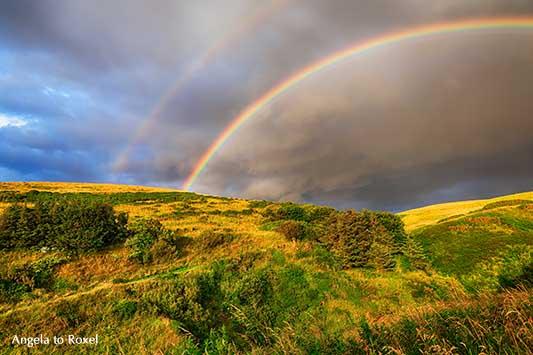 Doppelter Regenbogen in Aberdeenshire, über den Hügeln von Pennan am Moray Firth, Schottland | Landschaftsbilder kaufen - Ihr Kontakt: Angela to Roxel
