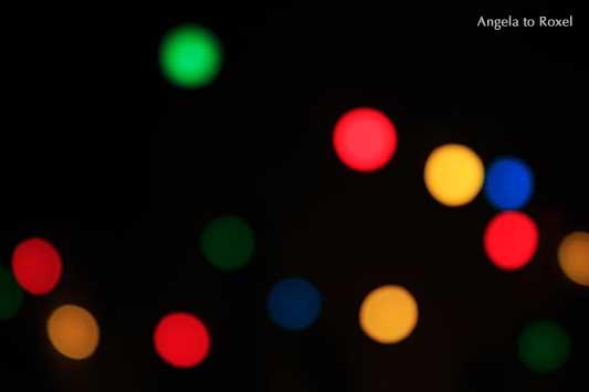 Licht Bokeh abstrakt, abstract light bokeh, unscharfe bunte, farbenfrohe Lichter in der Nacht, Hintergrund | Kunstfotografie kaufen - Angela to Roxel