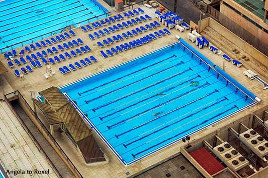 Swimmingpool, Schwimmbad in Barcelona, Barceloneta Beach von oben, Luftaufnahme 2016 | Architektur Bilder kaufen - Ihr Kontakt: Angela to Roxel